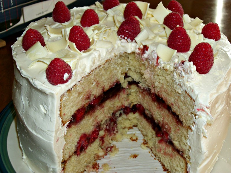 ... Macadamia Cake with Raspberries and White Chocolate Buttercream