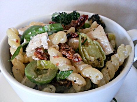 yummy grilled pasta salad