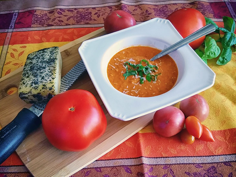 Fire-Roasted Tomato and Red Pepper Soup
