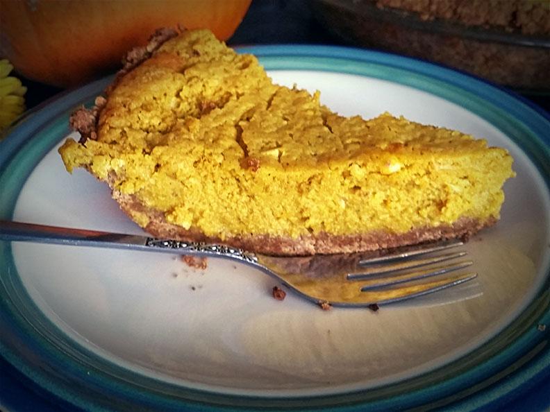 Pumpkin Pie with Graham Cracker Crust