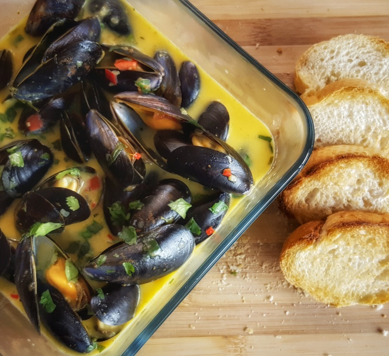 Mussels in Saffron White Wine Sauce